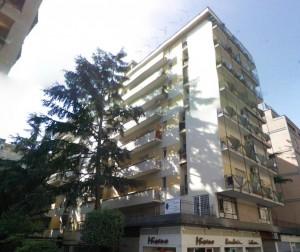 Roma Eur Montagnola Appartamento Monolocale con giardino – ASTEproject