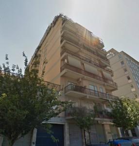 Roma garbatella appartamento uso ufficio con doppio for Immobili uso ufficio roma